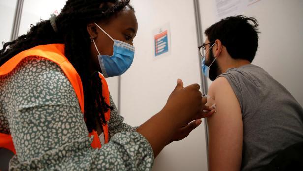 Coronavirus disease (COVID-19) vaccination campaign in Paris