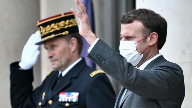 FRANCE-POLITICS-DIPLOMACY-AFRICA-G5-SAHEL-DEFENCE-SUMMIT