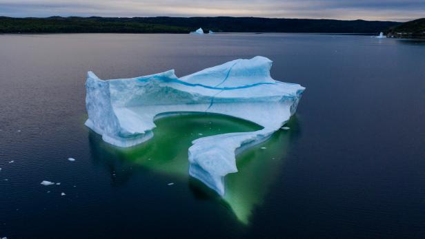 CANADA-ENVIRONMENT-WARMING-OCEANS-ICEBERGS