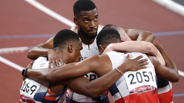 Athletics - Men's 4 x 100m Relay - Final