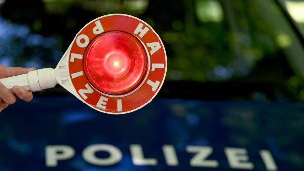 ++ THEMENBILD ++ POLIZEI / SICHERHEIT / EINSATZKRÄFTE / EXEKUTIVE / VERKEHRSKONTROLLE