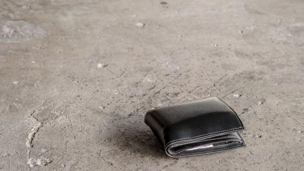 The lost wallet.