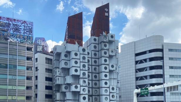 01-nagakin-capsule-tower-kisho-kurakawa-1024x576