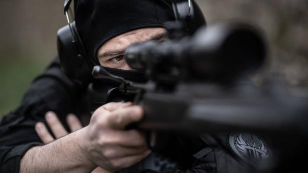 TOPSHOT-FRANCE-POLICE-SECURITY