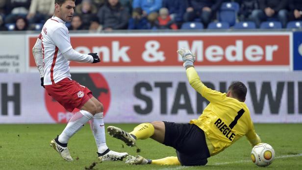 FUSSBALL TIPICO BUNDESLIGA: SKN ST. PÖLTEN - RED BULL SALZBURG