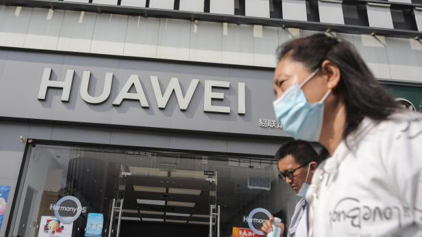 Huawei CFO flying back to China after deal with US prosecutors