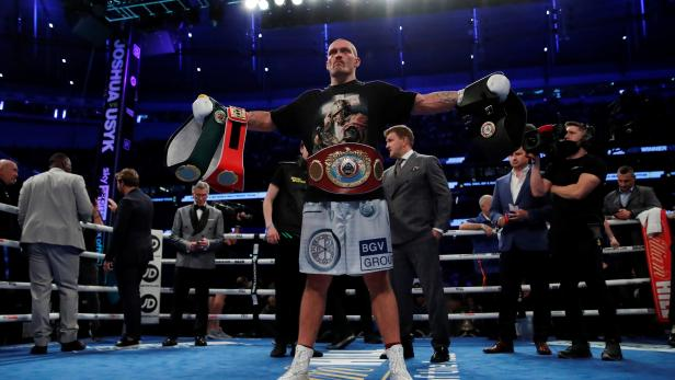 WBA, IBF & WBO Heavyweight Titles - Anthony Joshua v Oleksandr Usyk