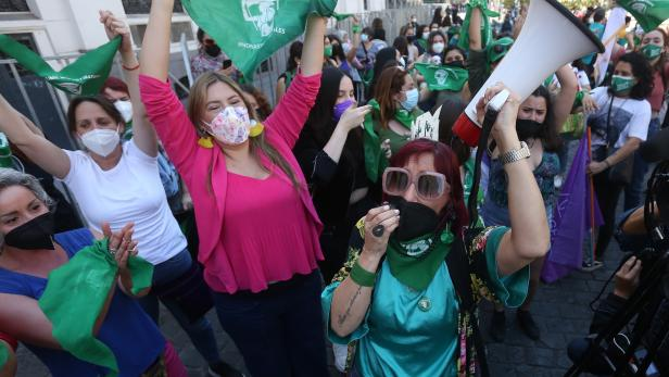Chile takes an important step towards the decriminalization of abortion