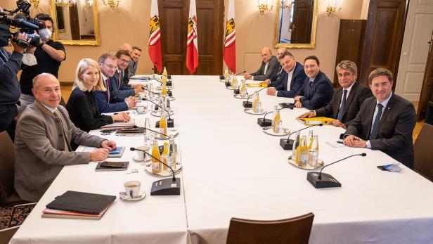 NACH OÖ-WAHL - ÖVP STARTET PARTEIENGESPRÄCHE MIT DER FPÖ IN LINZ