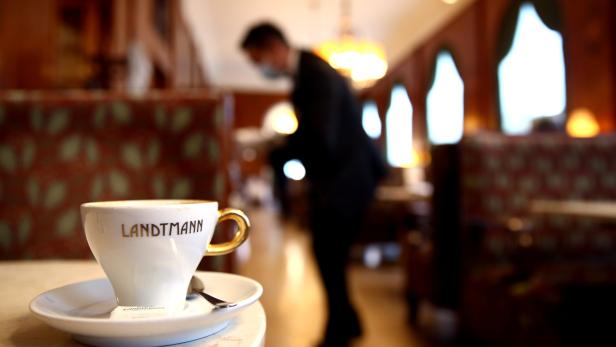 Austrian cafes, bars and restaurants reopen as lockdown loosens further
