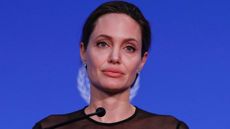 Jolie verbietet Vater Kontakt zu ihren Kindern | kurier.at