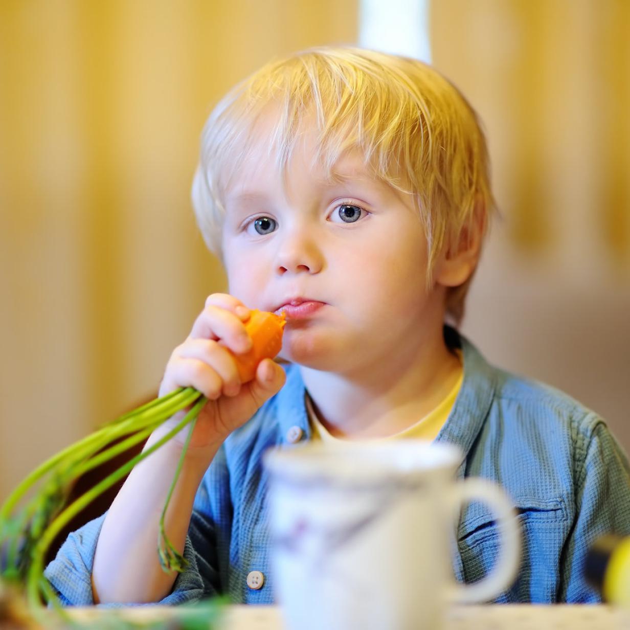 Hände weg von Quetschies: mehr Süßspeise als gesunder Snack