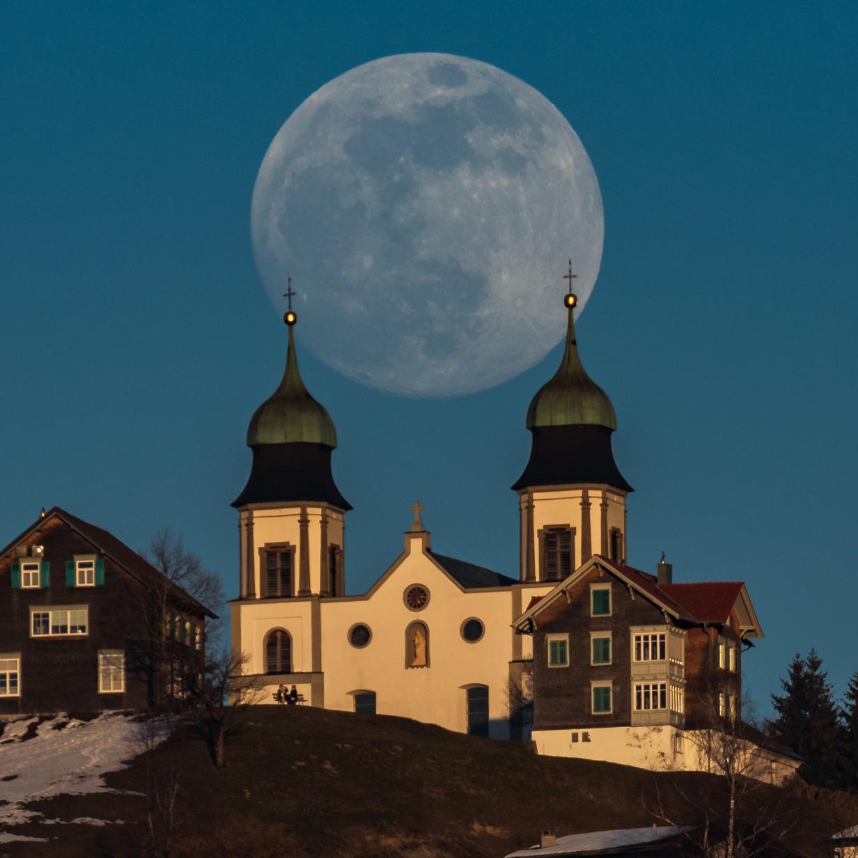 50 Jahre nach Apollo: Der Mond bleibt im Gespräch - und schwer erreichbar