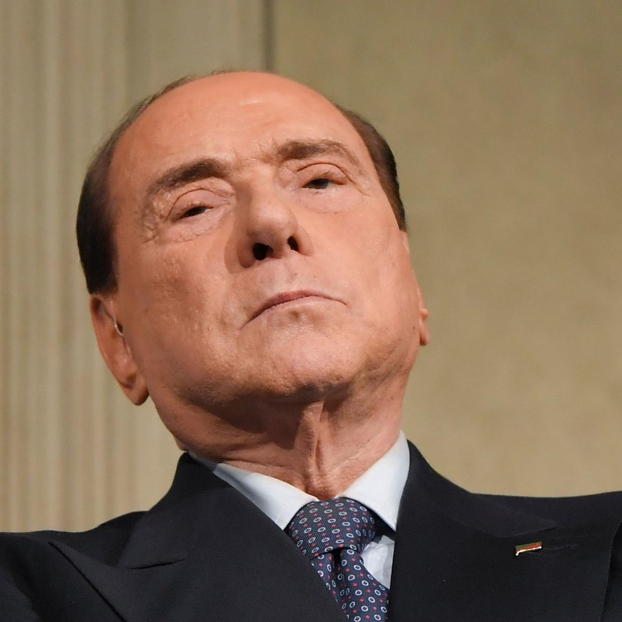 Berlusconi im Krankenhaus wegen Leistenbruch-Operation