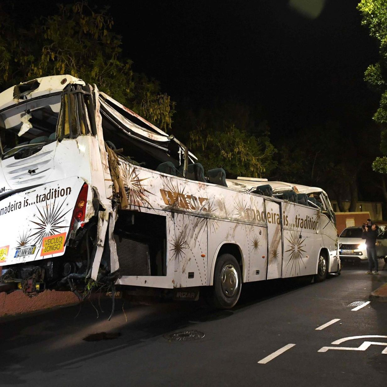 Busunglück auf Madeira: Wahrscheinlich 27 der 29 Todesopfer Deutsche