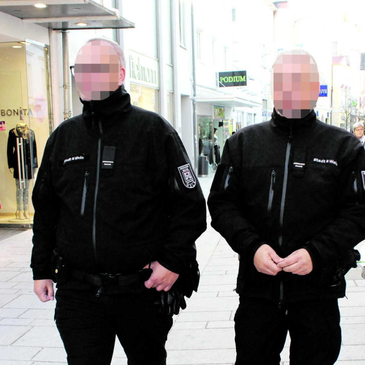 Stadt Wels entlässt Ordnungswächter, der Hakenkreuze verkaufte