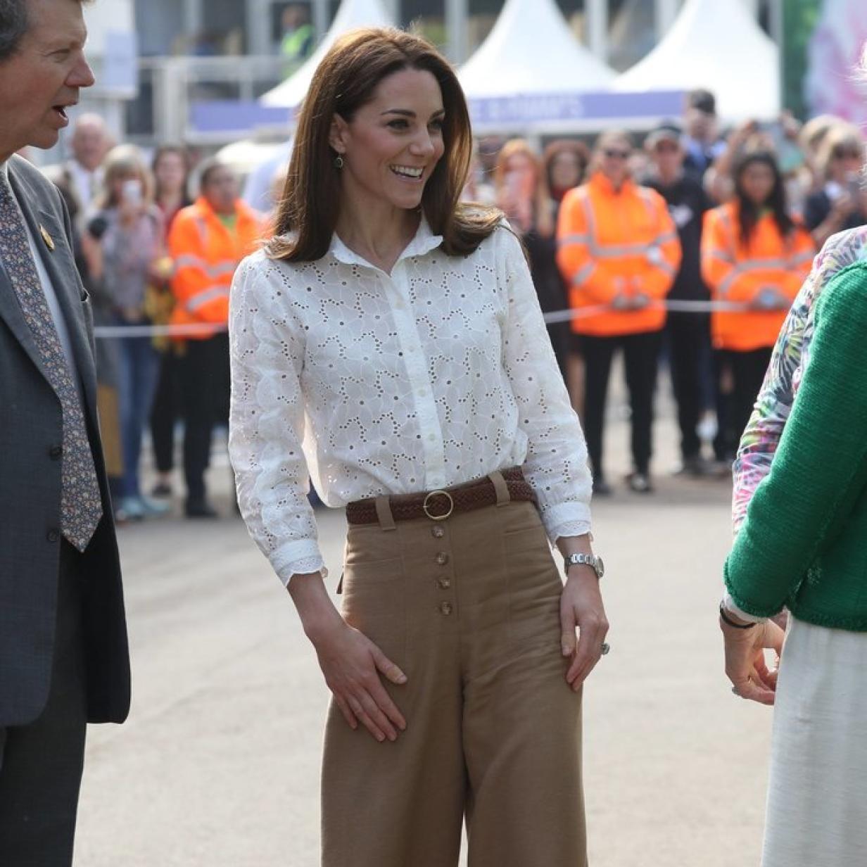 Herzogin Kate zeigt sich in einem für sie ungewöhnlichen Outfit