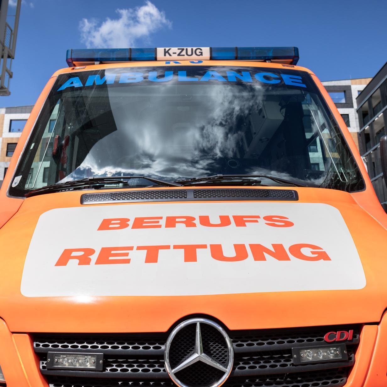 Bim-Unfall in Wien: 15-Jähriger schwer verletzt