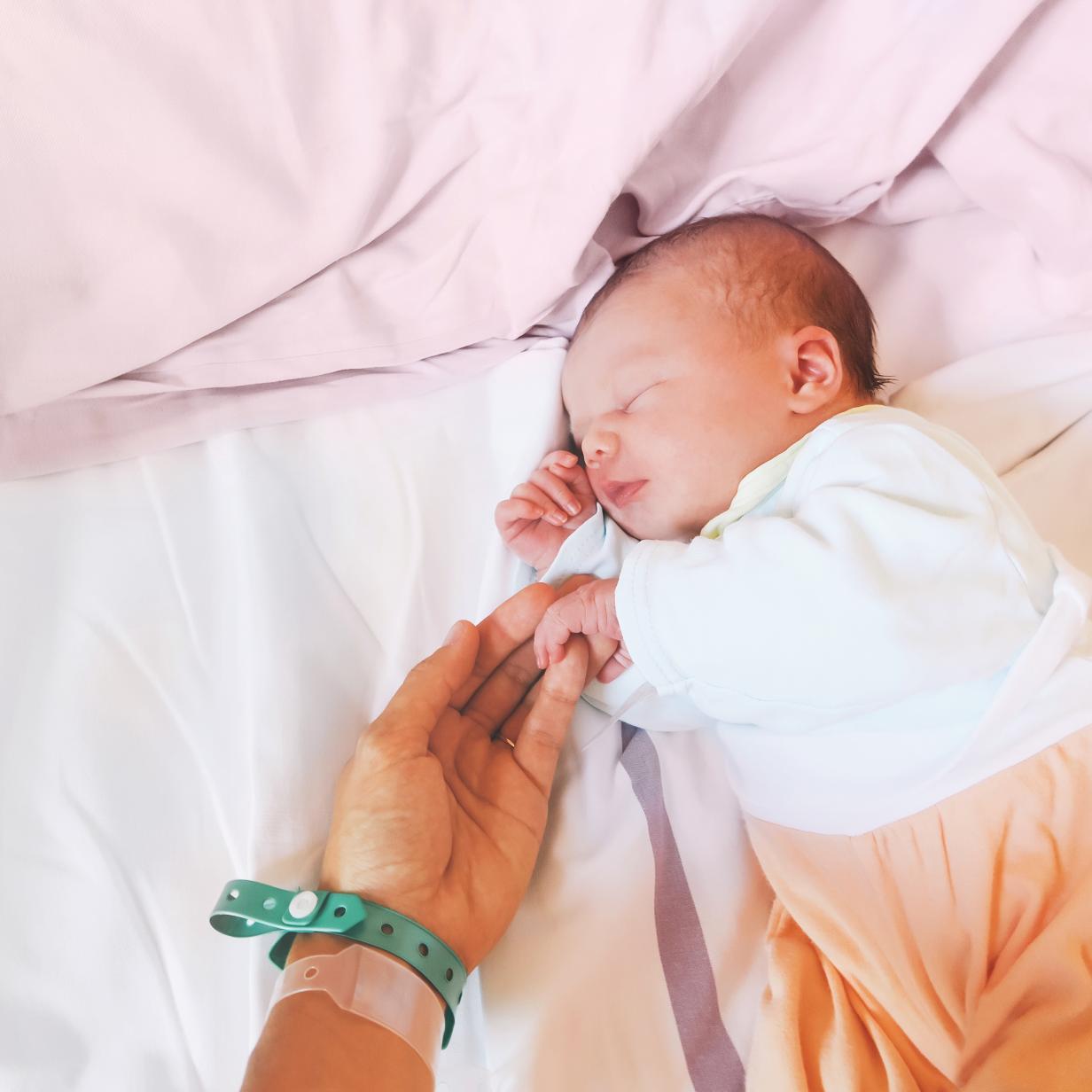 Geburtenstatistik: Durchschnittsalter der Mütter steigt