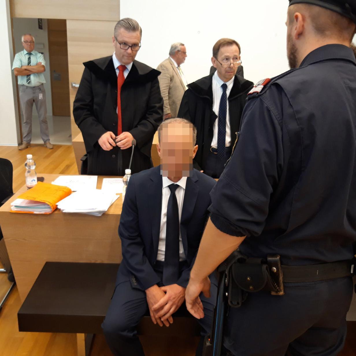"""""""Nur der Tod kann uns trennen"""": Polizist schoss auf seine Frau"""