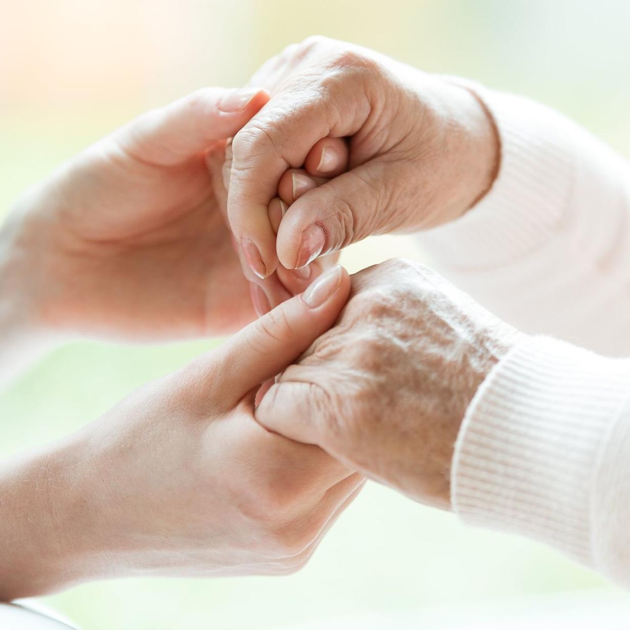 ÖVP-Pflegeversicherung: Gegenwind von Industrie bis ÖGB