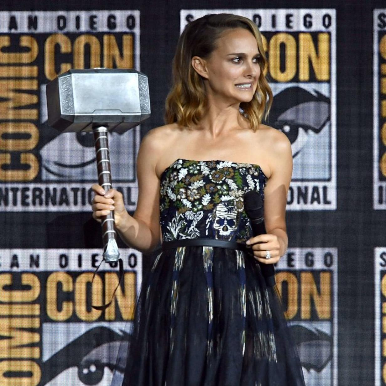 """Thor"": Natalie Portman übernimmt den Hammer"