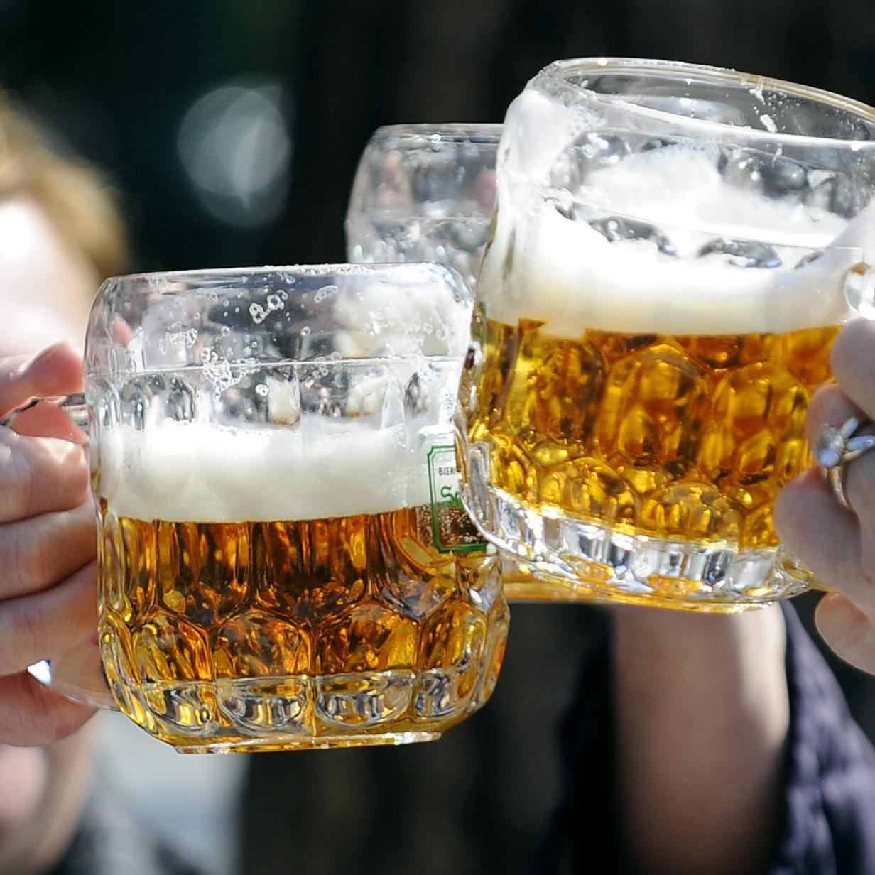 """Doku """"Bier"""": Zwischen handwerklichem Brauen und Dosenabfüllung"""