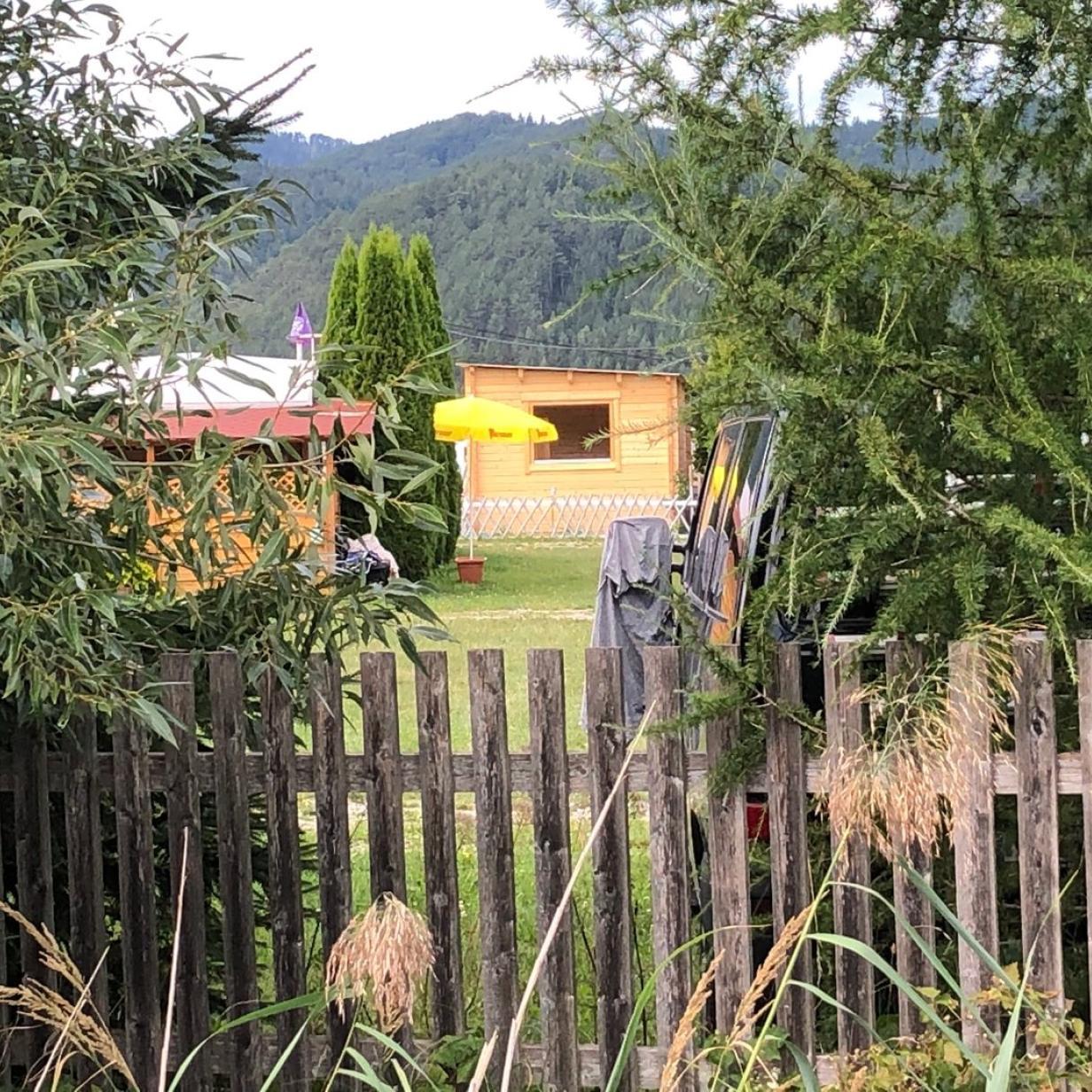 Nach Leichenfund auf Campingplatz in NÖ: Ehefrau wird befragt
