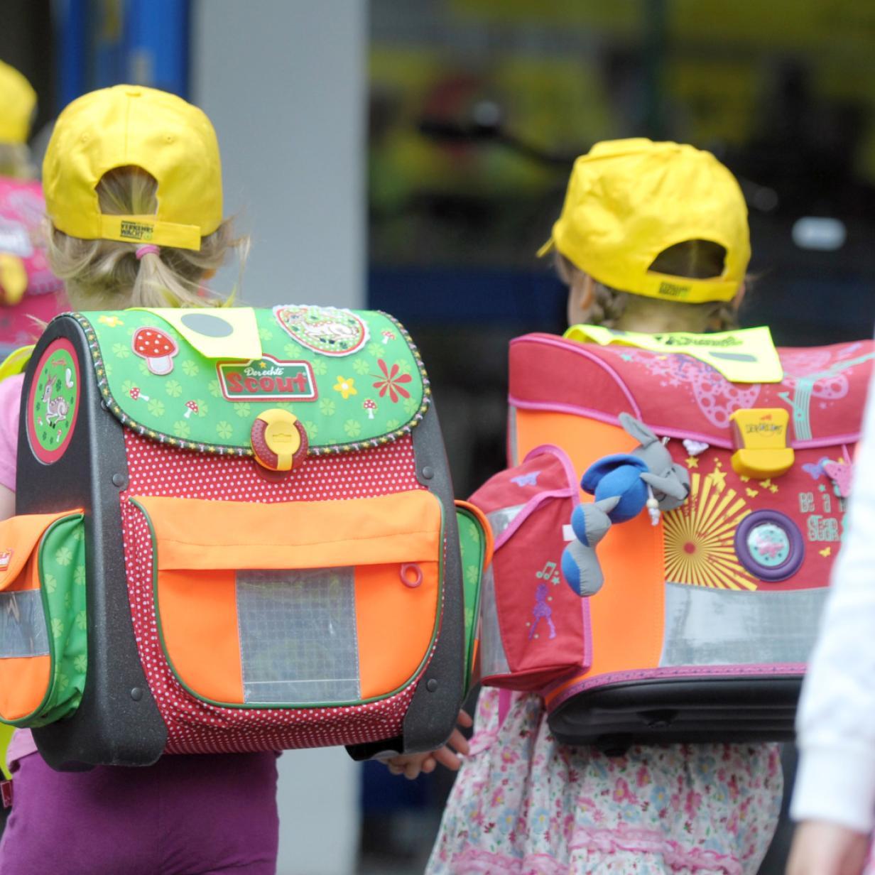 Für mehr Fußgänger: 150.000 Elterntaxis täglich vor Schulen