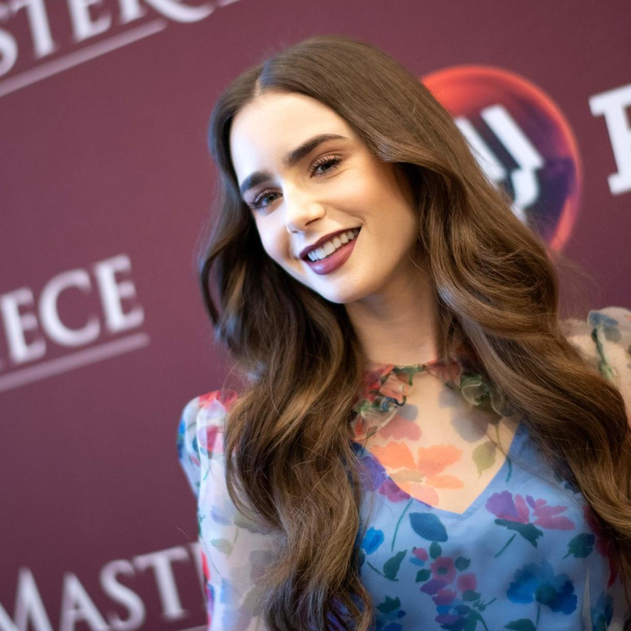 Lily Collins schmiegt sich in Paris an Hollywood-Frauenheld