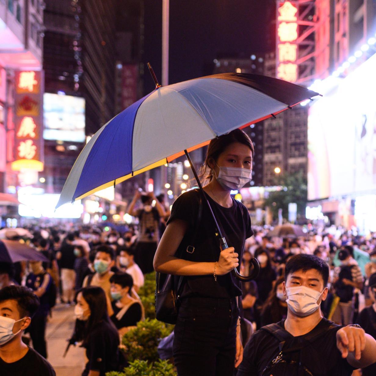 Proteste in Hongkong: China verbietet Export schwarzer T-Shirts