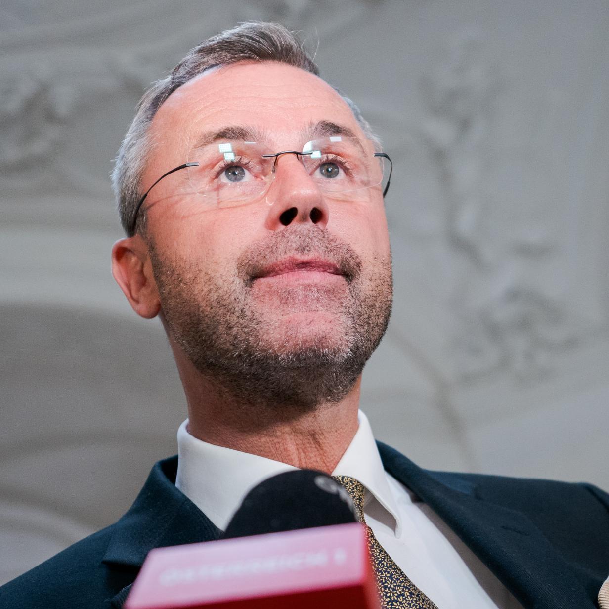 """Hofer will Verfahren """"verhaltensauffälliger"""" Asylwerber vorziehen"""
