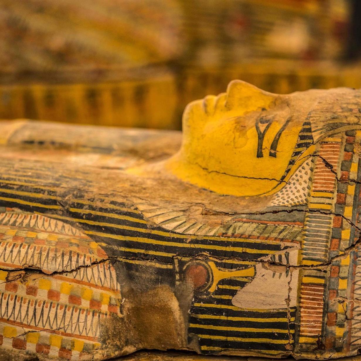 Ägypten: 30 Sarkophage in ein Meter Tiefe ausgegraben