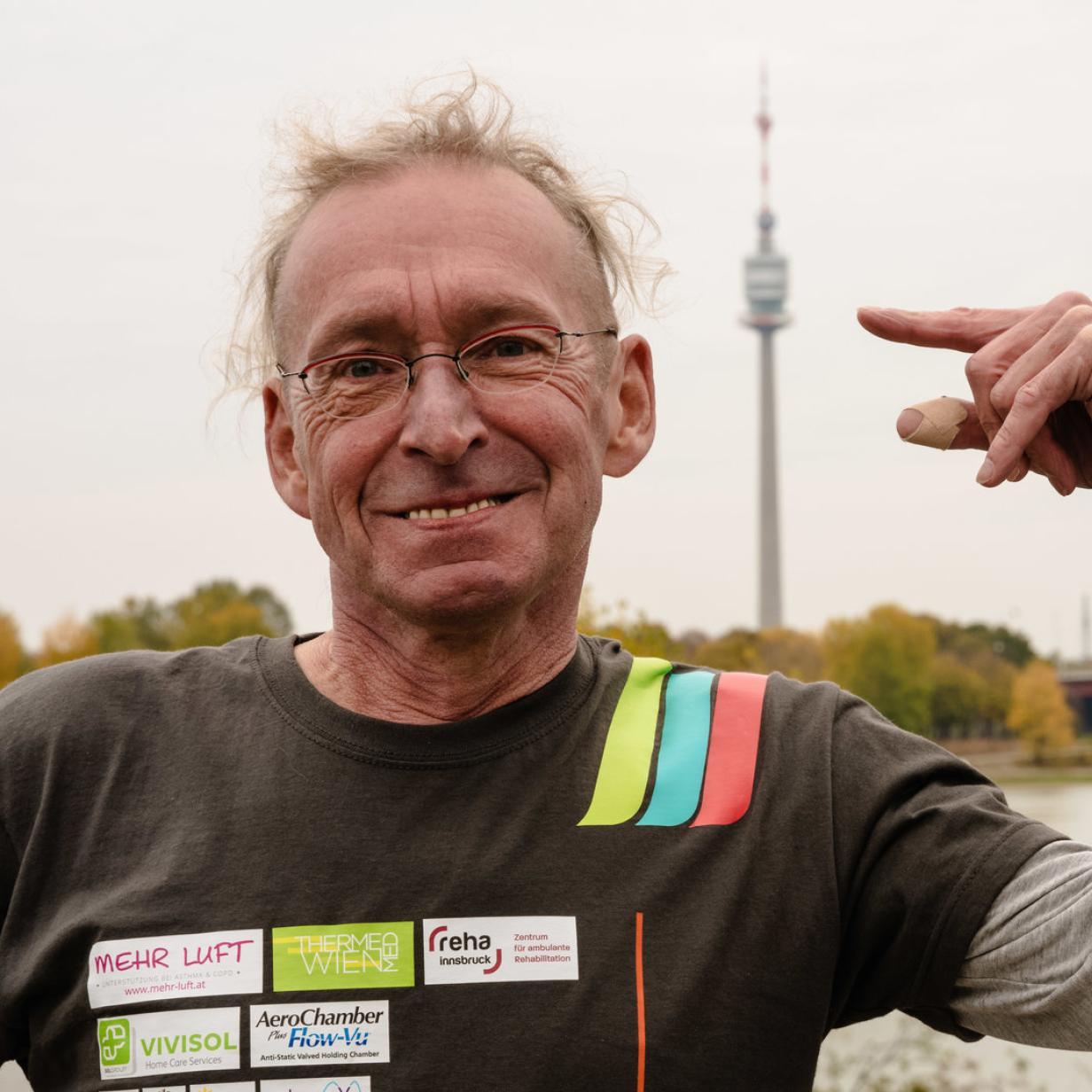 Eberhard Jordan will trotz Krankheit den Donauturm erklimmen