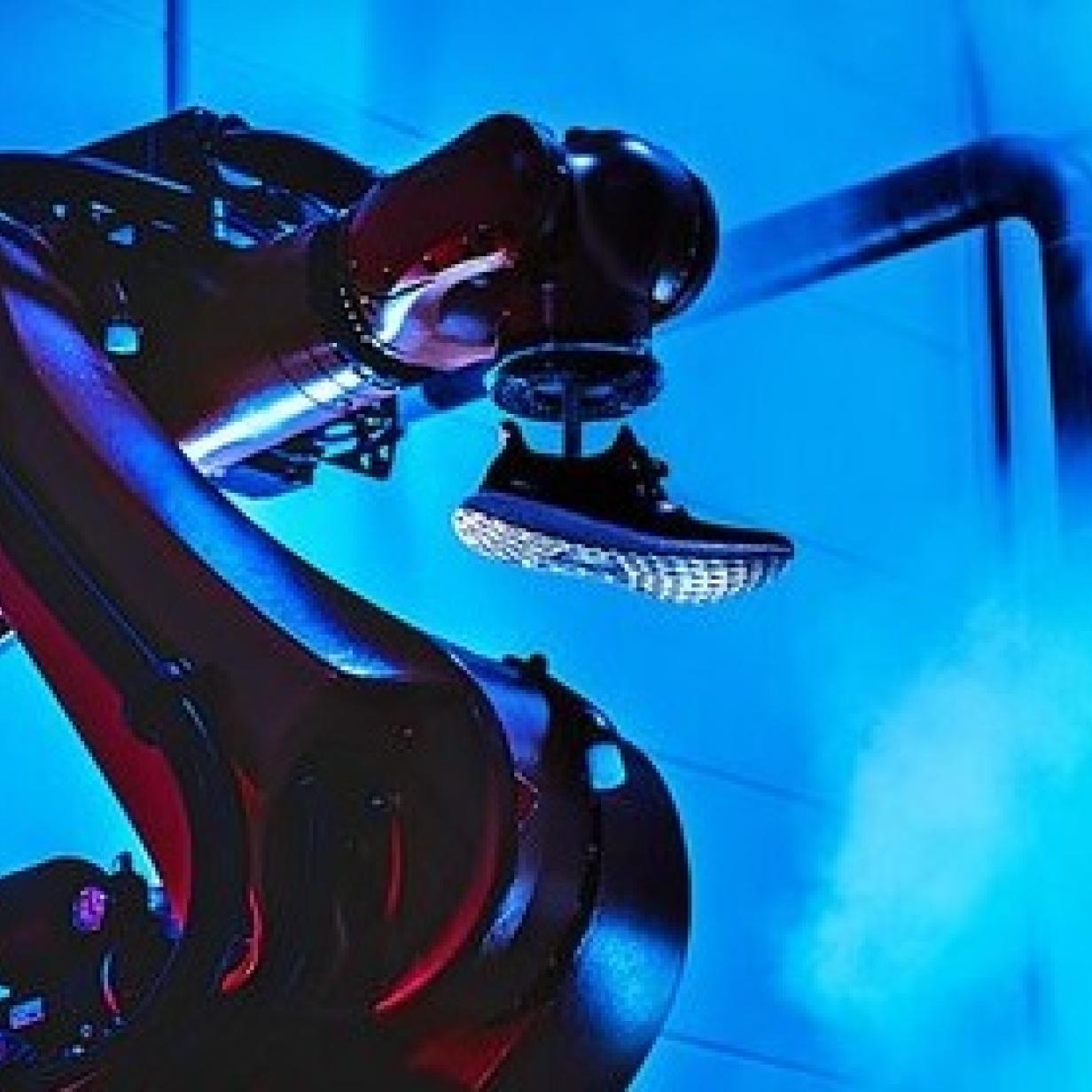 Roboter verlieren ihren Job: Adidas sperrt Hightech-Fabriken zu
