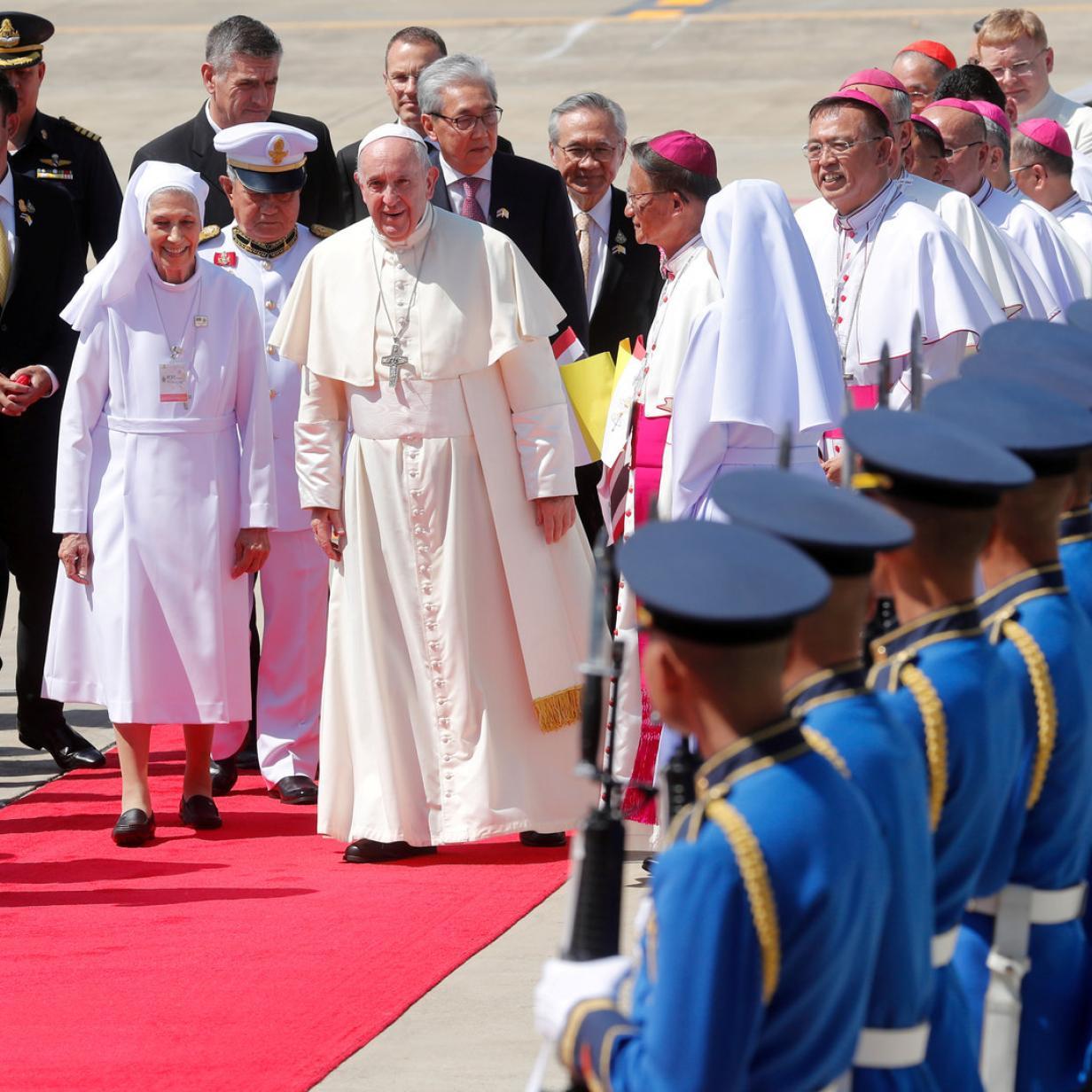 Papst trifft nach Jahrzehnten seine Cousine in Thailand