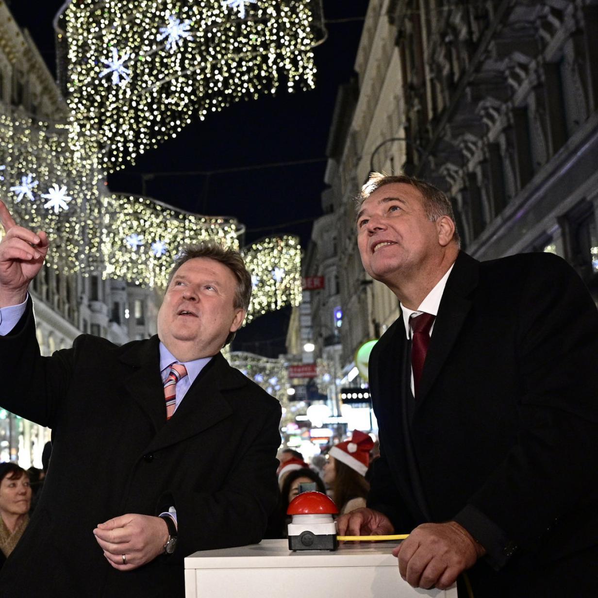 Sterne, Kugeln, Luster: So sind die Wiener Einkaufsstraßen beleuchtet