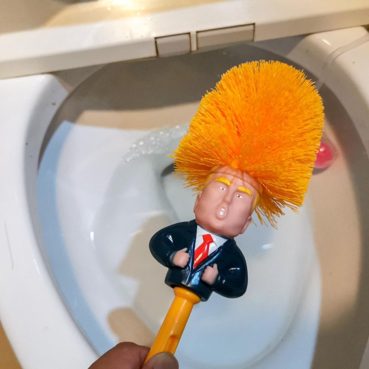 """""""Man bekommt kein Wasser"""": Trump nimmt Toiletten ins Visier"""