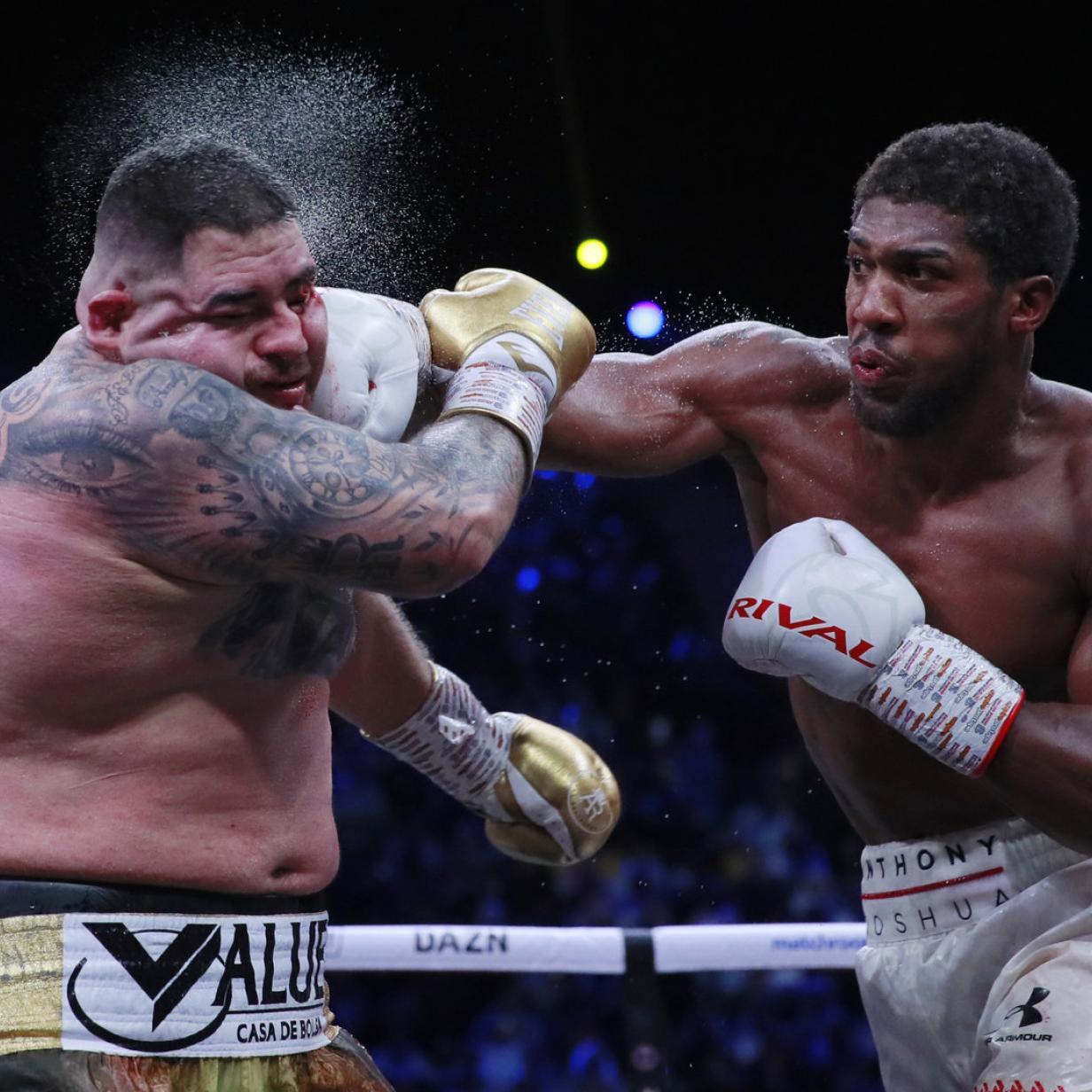 Joshua holt sich im Boxkampf des Jahres seine Titel zurück