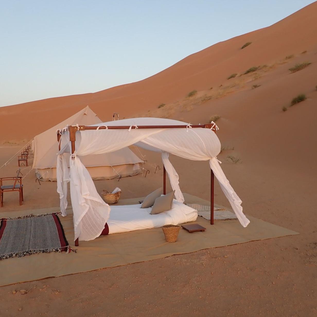 Ein Bad im Sand: Mit Luxuszelt in die Wüste des Oman