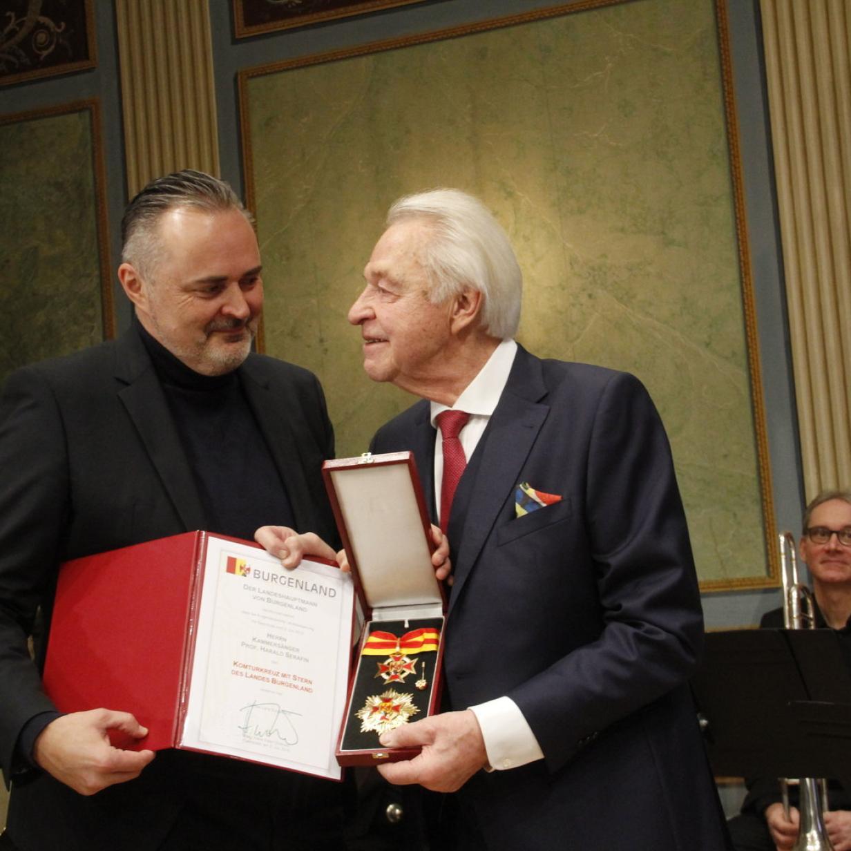 Harald Serafin erhielt burgenländisches Komturkreuz mit Stern