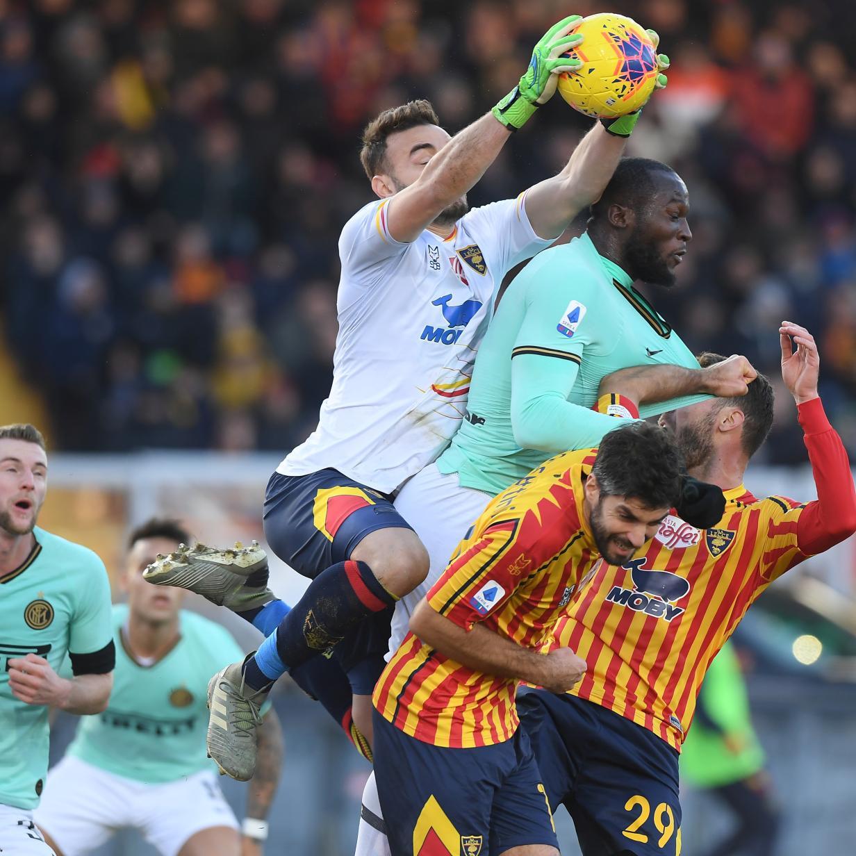 Fußball-Splitter: Inter Mailand patzt ohne Lazaro in Lecce