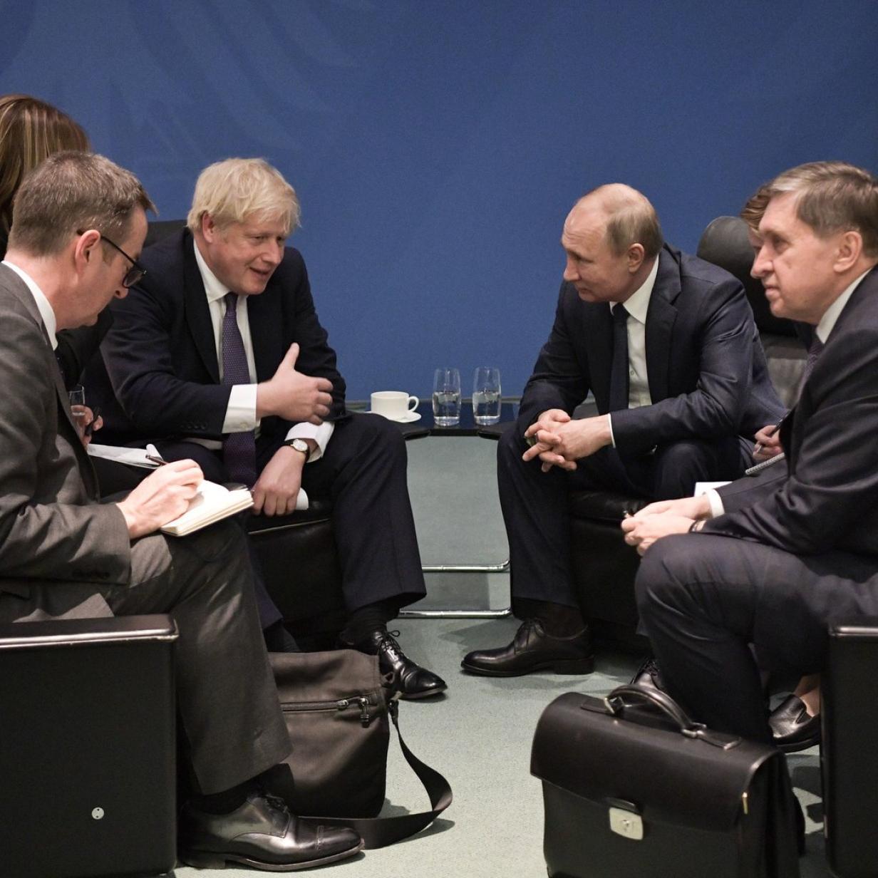 Johnson teilte in Berlin hart gegen Putin aus