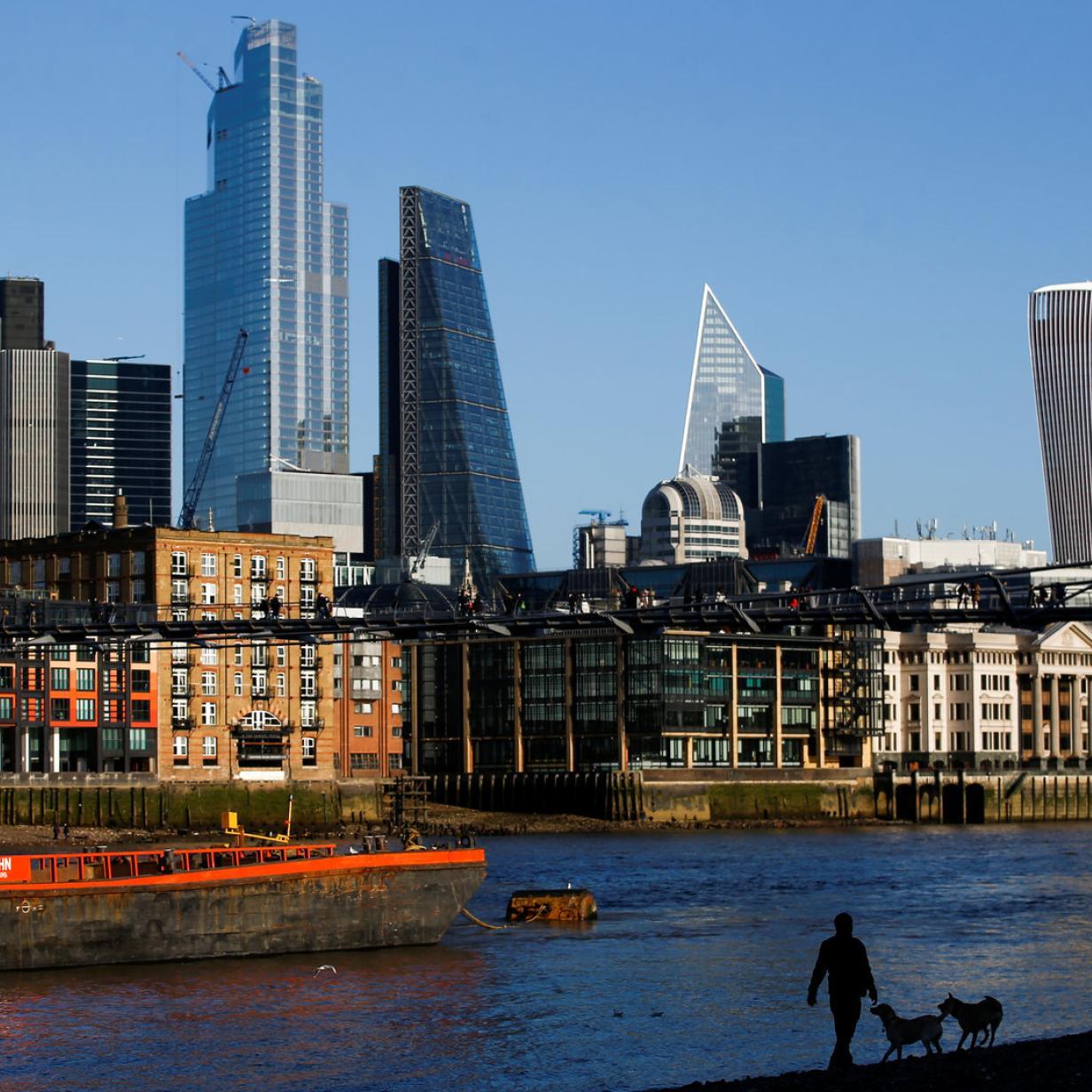 Drei Männer in London erstochen: Umstände ungeklärt
