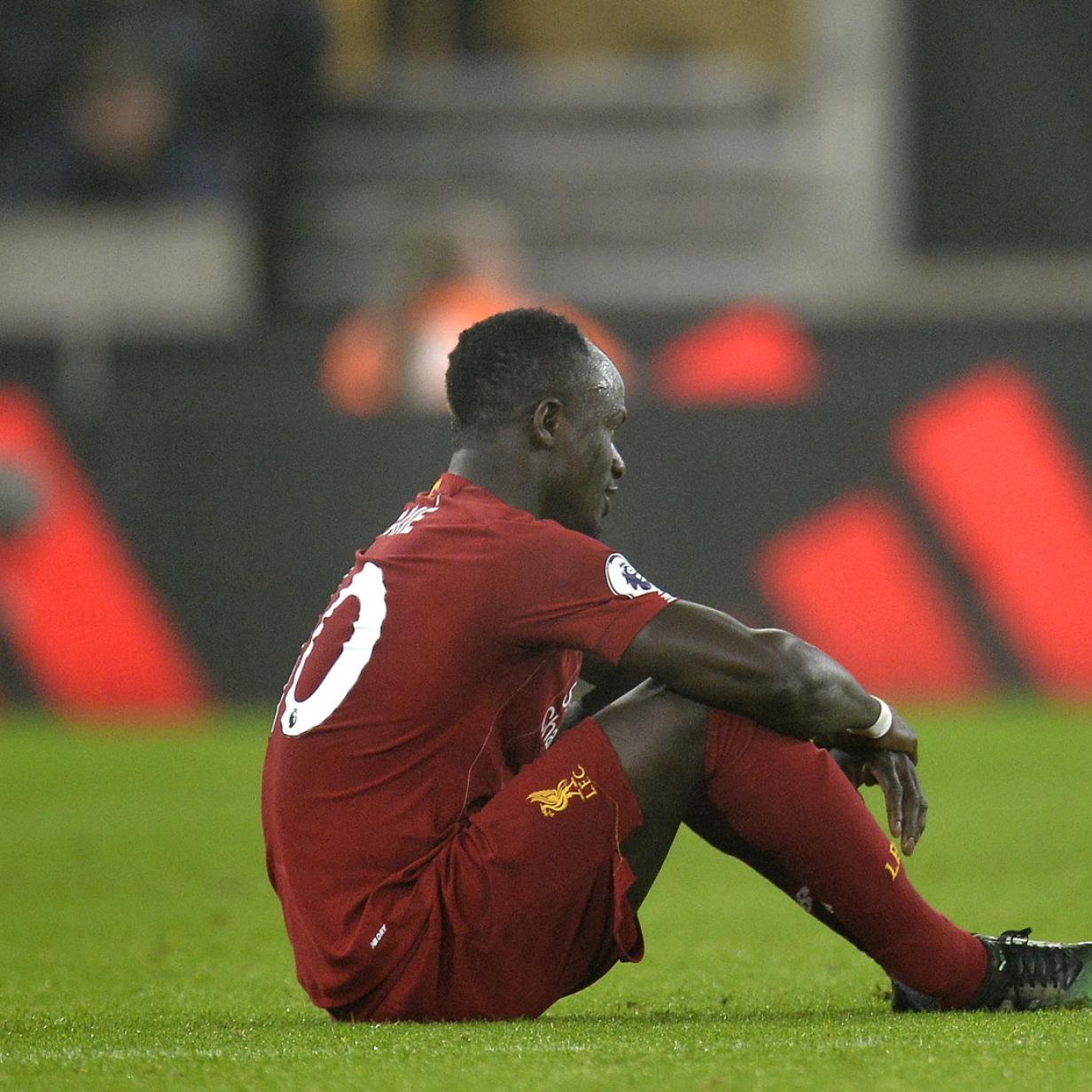 Fußball: Liverpool gewann knapp, verlor aber Mane