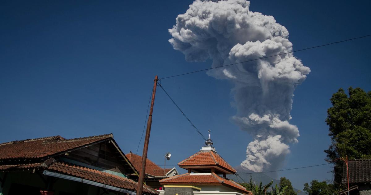 Indonesien: Vulkan Merapi speit Asche sechs Kilometer hoch