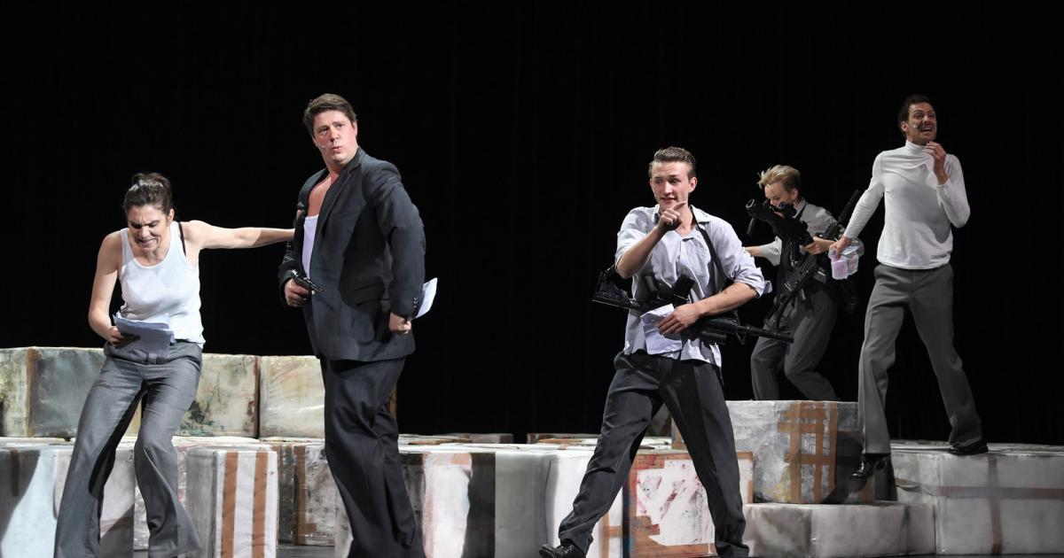 volkstheater-premiere-proseminar-mit-musikbegleitung