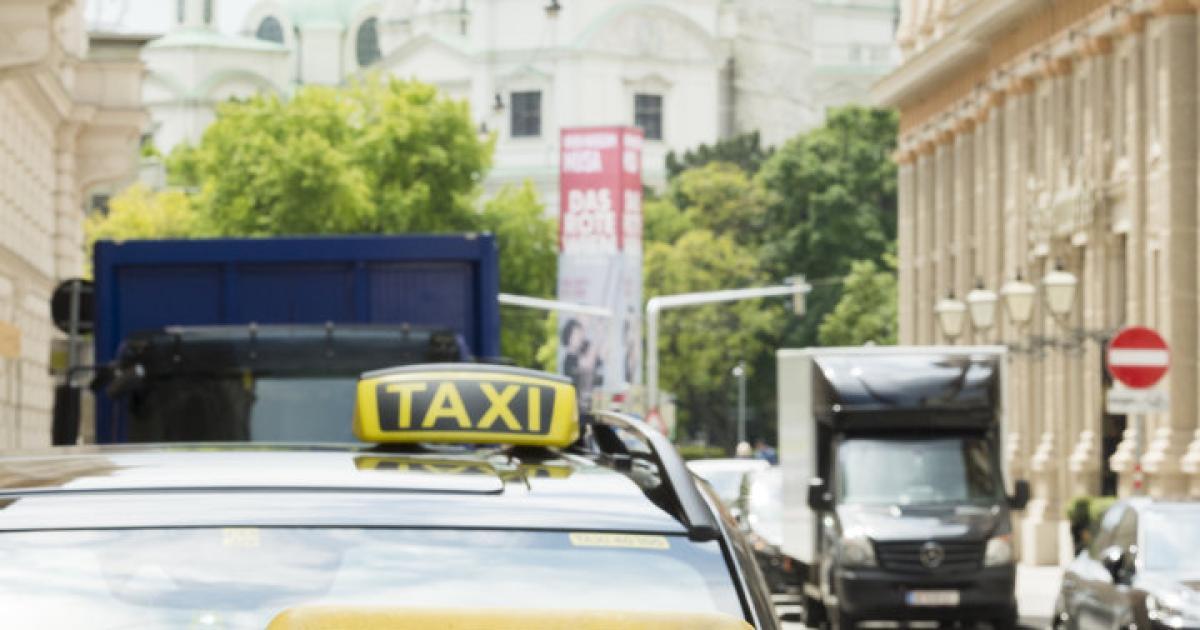 Neue-Regeln-f-r-den-Wettbewerb-Taxis-Uber-alles
