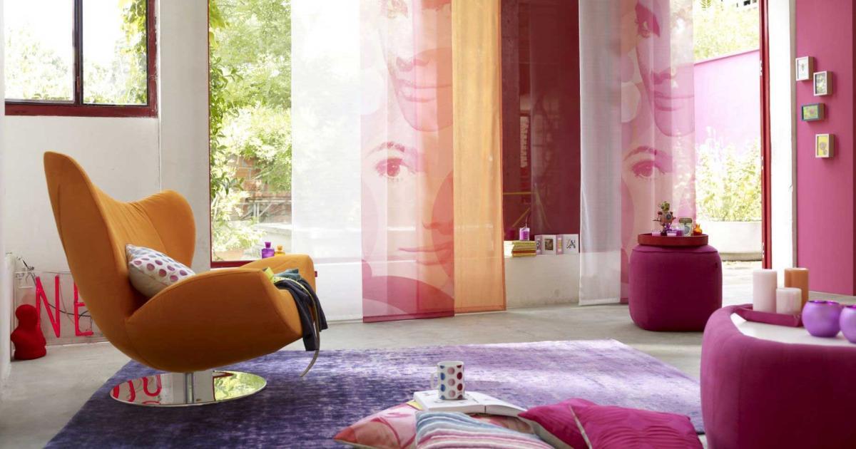 unternehmerin verleiht m bel. Black Bedroom Furniture Sets. Home Design Ideas