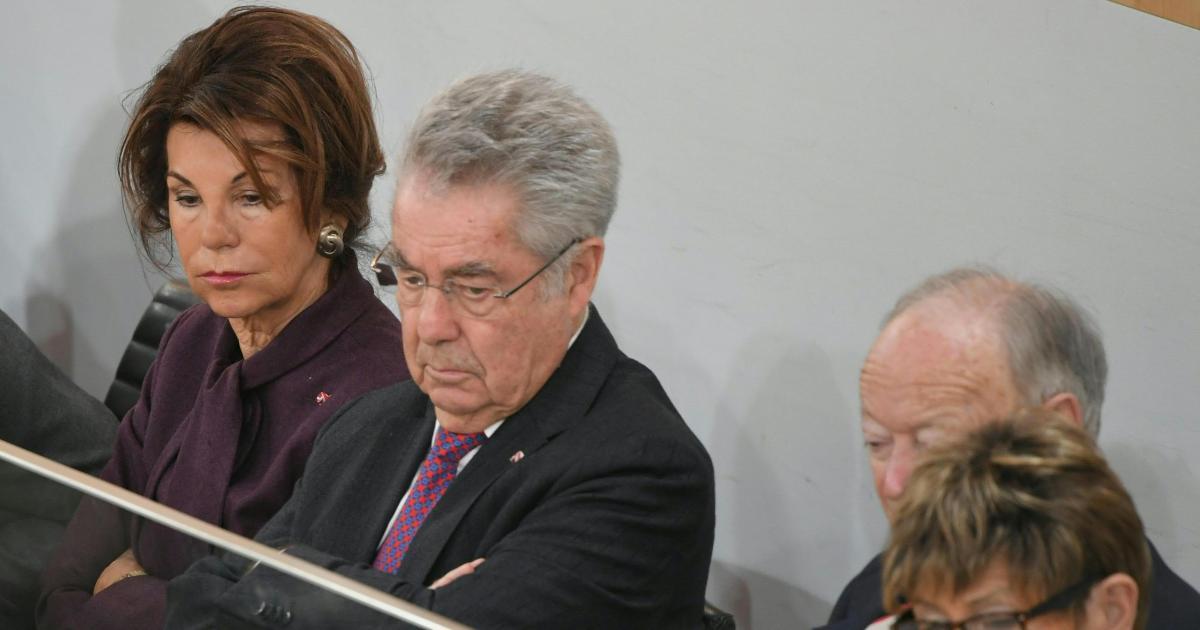 Politik aus Österreich & der Welt - cover